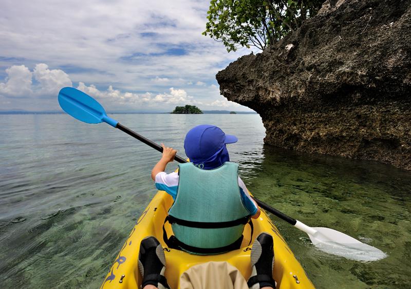 Впрочем, в гребных лодках самое главное — это наличие штатного гребубли. Легким ударом весла по тыкве детеныш превращается в отличный лодочный мотор.